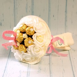 Cukierkowy bukiet z 7 Ferrero Rocher dla Dziewczynki