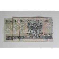 SPOSÓB UŁOŻENIA BANKNOTÓW ABY POWSTAŁ MILION