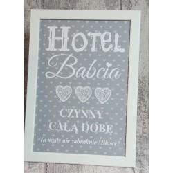 """RAMKA """"HOTEL BABCIA, CZYNNY CAŁĄ DOBĘ"""""""