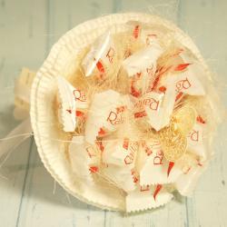 Ślubny bukiet z cukierków Raffaello