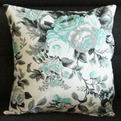 Poduszka w miętowe kwiaty