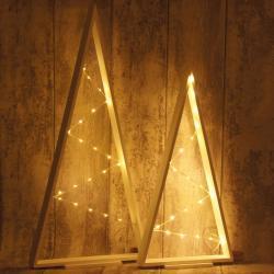 Choinka drewniana 80 cm, z lampkami