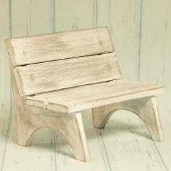 Ławeczka mała, drewniana, szara