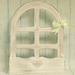 Skrzynka na kwiaty z oknem, biało-szara, drewniana