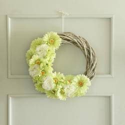 Wianek na drzwi, wiosenny, zielono-szary