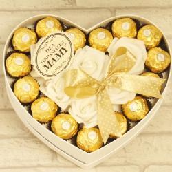 Flowerbox średnie serce z cukierkami dla Mamy