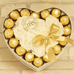 Flowerbox duże serce z cukierkami na komunię