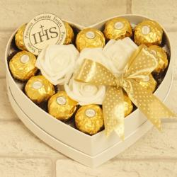 Flowerbox małe serce z cukierkami na komunię