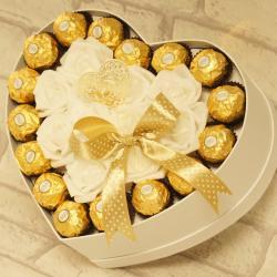 Flowerbox duże serce z cukierkami na ślub