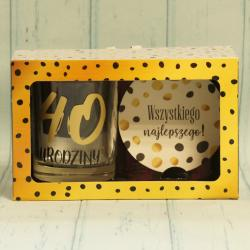 Prezent na 40 Urodziny: szklanka do drinków oraz podkładka, zestaw prezentowy na 40 lat.