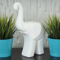 Słoń z podniesioną trąbą, ceramiczny